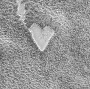 heart shaped plateau on mars
